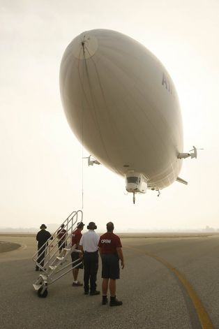 The Zeppelin Eureka carried 20,000 passengers over four years for Airship Ventures. Photo: Lea Suzuki, The Chronicle / SF