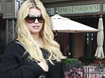 Craving some comfort food? 'Pregnant' Jessica Simpson lunches at pub that specialises in southern fried fish