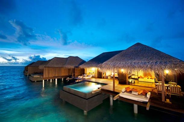 Villas Above the Sea Natural and Luxury - night view