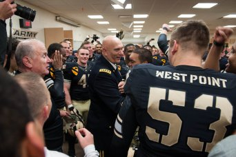 Chief of Staff Congratulates Army Football Team on