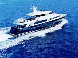 yacht charter for a cruise