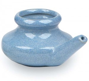 neti pot blue 300x273 Clearing your nose with a neti pot