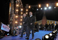 Vladimir Putin and Dmitry Medvedev in downtown Moscow