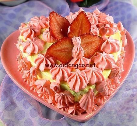草莓奶油霜蛋糕
