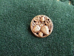 Grandma's Buttons Post.