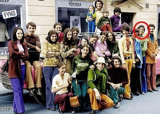 عکس دسته جمعی بن لادن در دوران دانشجویی