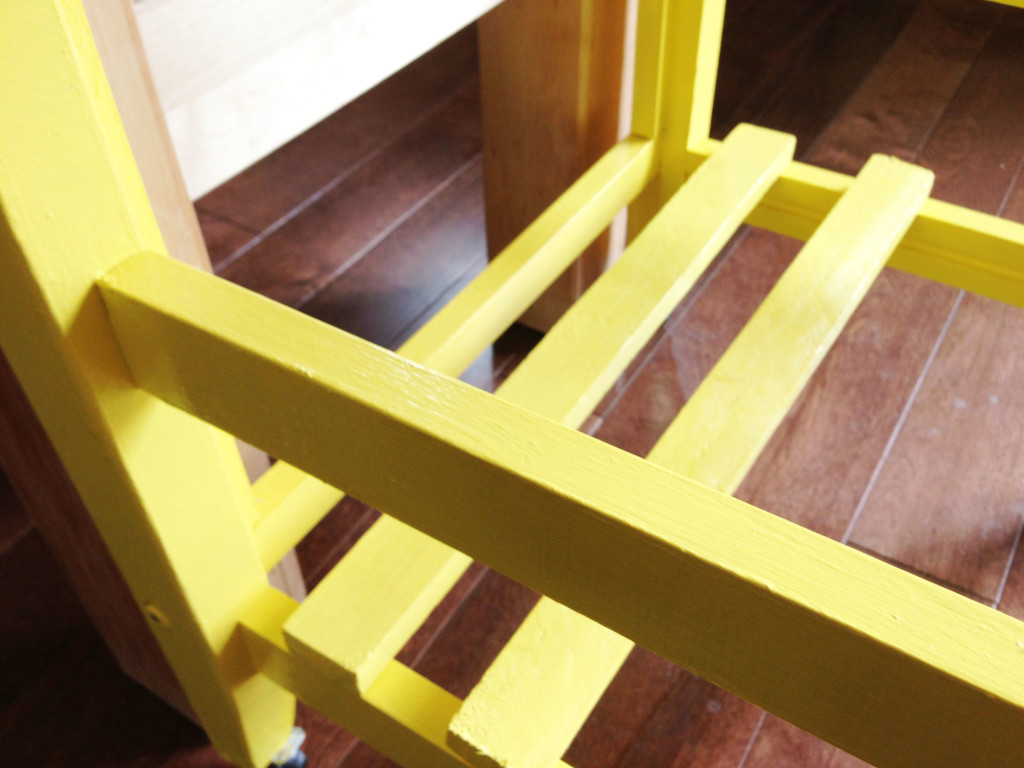 DIY mini kitchen island yellow- 18
