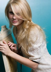 taylor-swift-straight-hair
