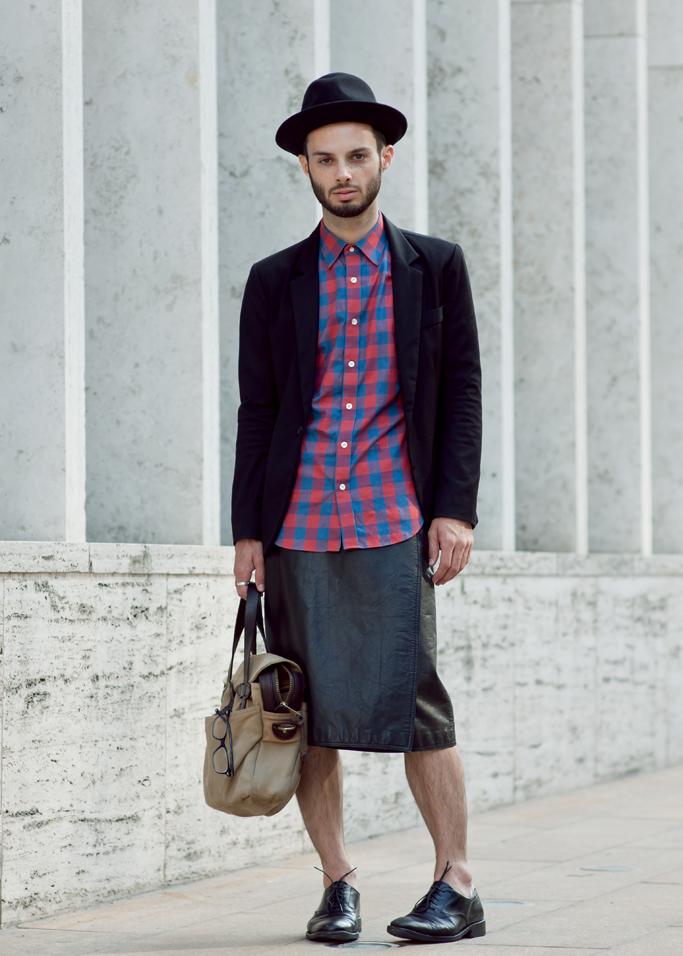 Men in skirts   Thisfruitblogs.com