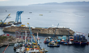 Costa Concordia salvage mission gives families hope for news of the missing