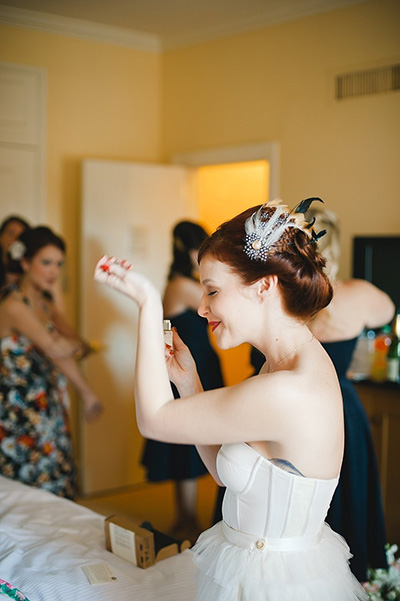 stylemepretty - How To Pick Your Perfect Wedding Day Scent