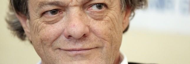"""Il s'agit là d'une """"déclaration d'indépendance"""" vis-à-vis de l'UMP, """"pas d'une déclaration de guerre"""", a affirmé Jean-Louis Borloo. (AFP)"""