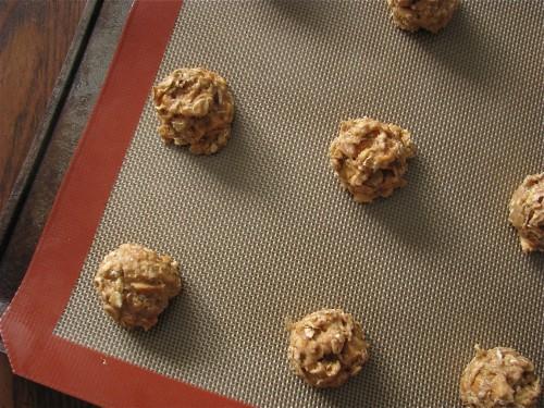 Caramel Apple Granola Cookies