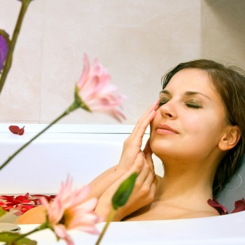 relax-spa-bath-flower