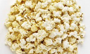 Eating popcorn in the cinema makes people immune to advertising