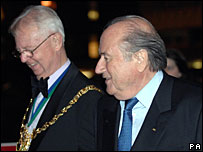 Fifa president Sepp Blatter and Sheffield Mayor Arthur Dunworth