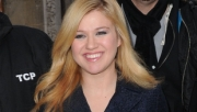 Kelly Clarkson's Mother not Upset About Wedding