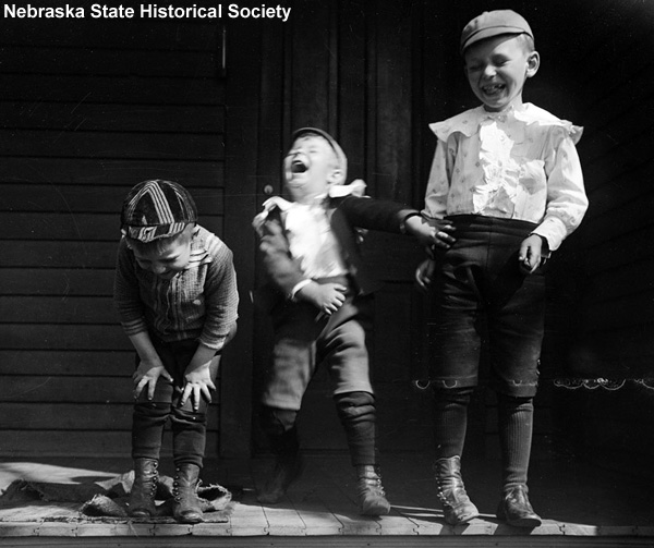 laughing boys photo, 1915