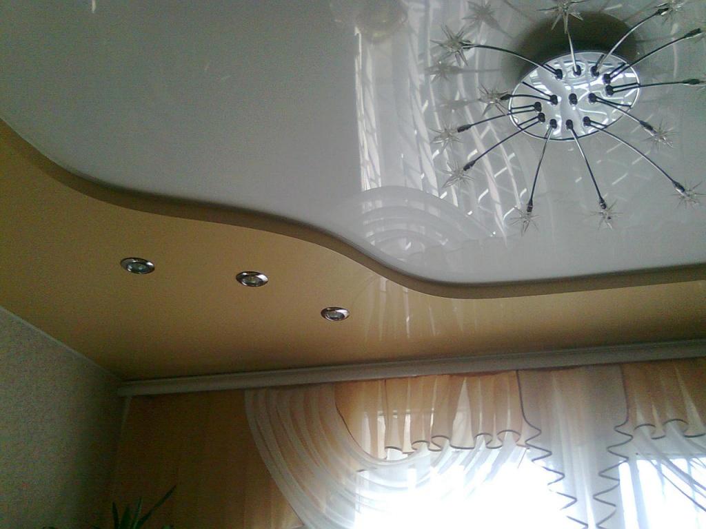 Чем отделывать потолок в кухне