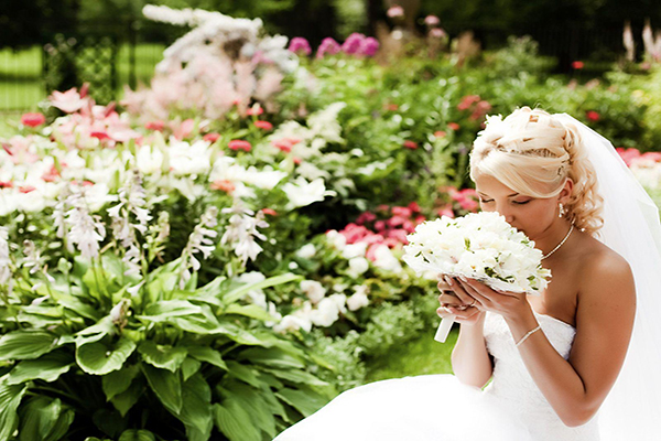 highdwallpapers - How To Pick Your Perfect Wedding Day Scent