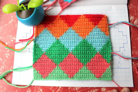 little woollie tapestry crochet harlequin pattern tutorial