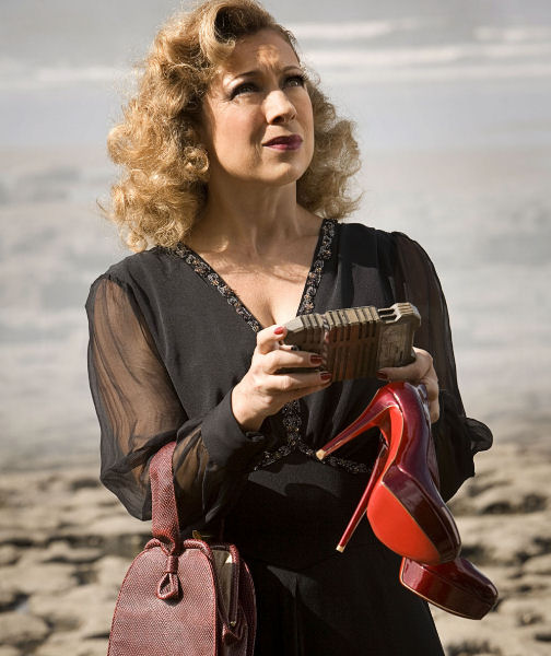 River Song outfit 2