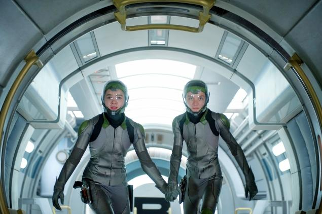 Hailee Steinfeld and Asa Butterfield embark on space training in 'Ender's Game.'