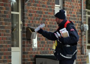 Canada Post to consult communities as home delivery phased out