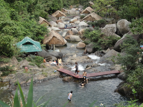 ngam doi da nang Khu du lịch sinh thái Ngầm Đôi