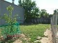 images/sideyard.jpg