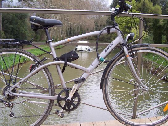 mbk_bike_bridge_boat