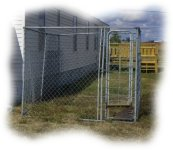 Dogs Welcome! Outdoor kennel provided at LnD Hideaway in Oshkosh, NE.