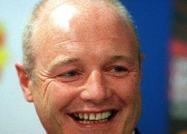 Chelsea chief executive Peter Kenyon