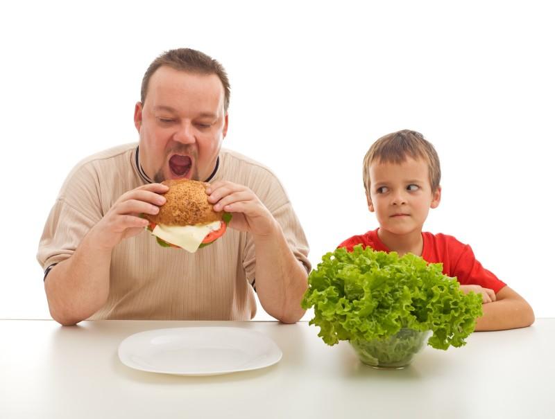 Hábitos saudáveis o torna mais inteligente. Emburrecendo