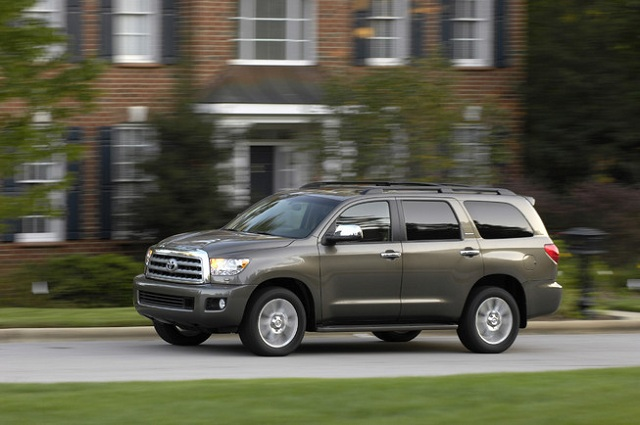 2015 Toyota Sequoia-side view