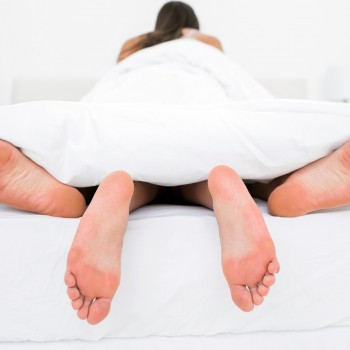 couple-sex-bed