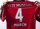 Adnan Januzaj advertises the Manchester United Museum free access