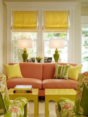 интерьер гостиной фото - оливковый цвет сочетается с морковным