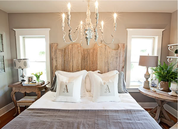bedroom mixing old and new Add a Little Vintage to your Decor!