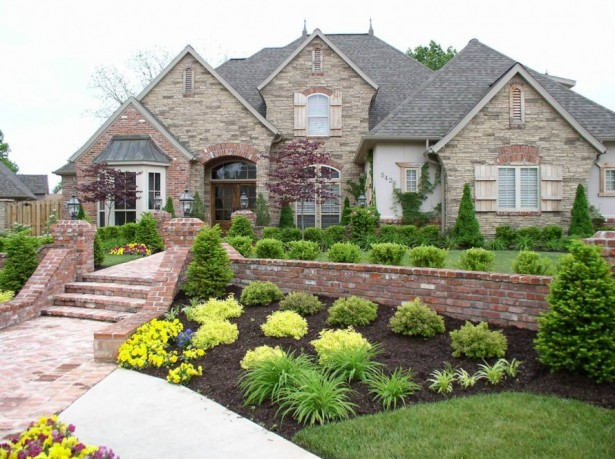 Garden, Front Yard Landscaping Ideas Pictures Killer Designs Of Landscaping On Front Yard Old House And Beautiful Garden: Create Your Stunning Front Yard And Take The Advantages Of It
