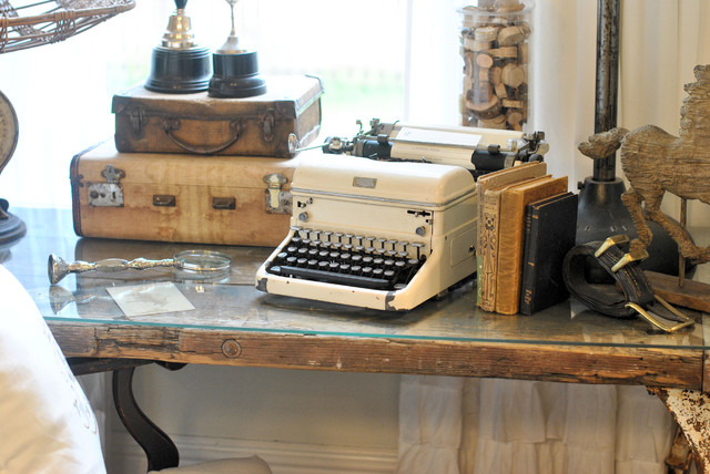 typewritters Add a Little Vintage to your Decor!