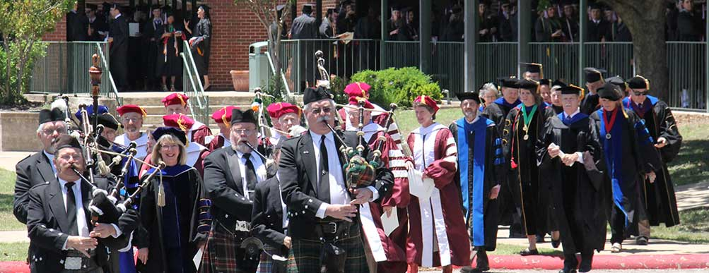 Schreiner's 2014 Commencement processional was marched into the Edington Center by San Antonio Pipes and Drums.