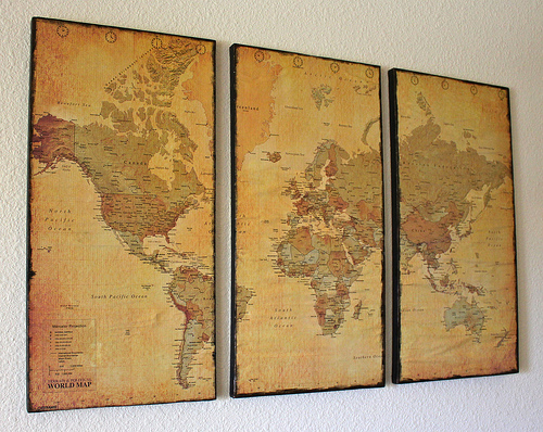 7511990626 cff54a2659 Great Examples of Easy, Inexpensive DIY Wall Art