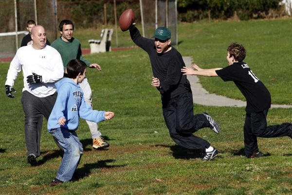 touch football 10 Memorable Things to do on Thanksgiving Besides Eat