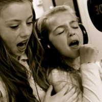 Kids music recording experience. Sing with your friends and make your own CD!