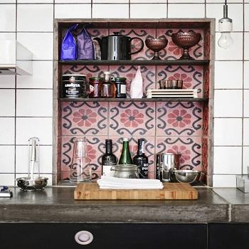 необычная идея для хранения посуды