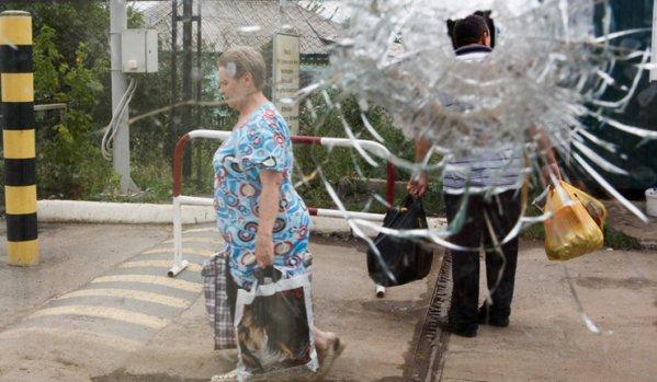 Donetsk and Lugansk: life under fire