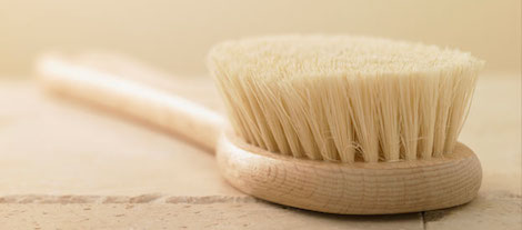 Dry Brushing 101: What You Need To Know About Dry Brushing