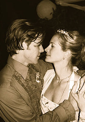 Danny Moder and Julia Roberts at Their Wedding