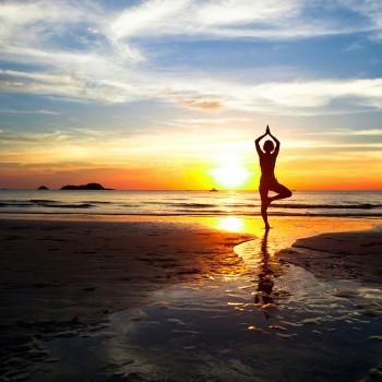yoga-sunset-beach